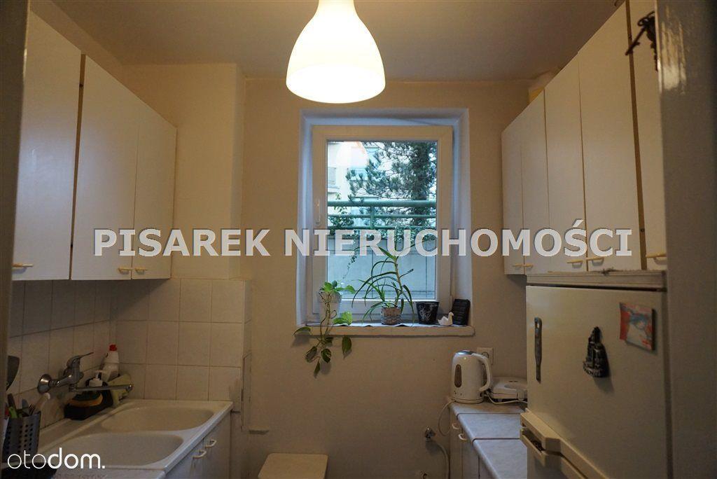 Powiśle, 35 m2, 2 pokoje, widna kuchnia, balkon,