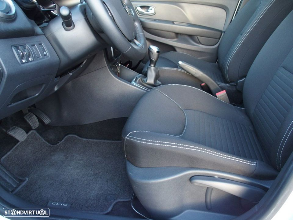 Renault Clio 1.5 Dci LIMITED GPS - 28