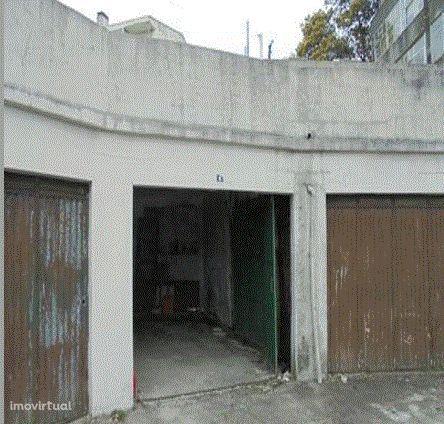 Garagen e estacionamento em São João da Madeira, São João da Madeira
