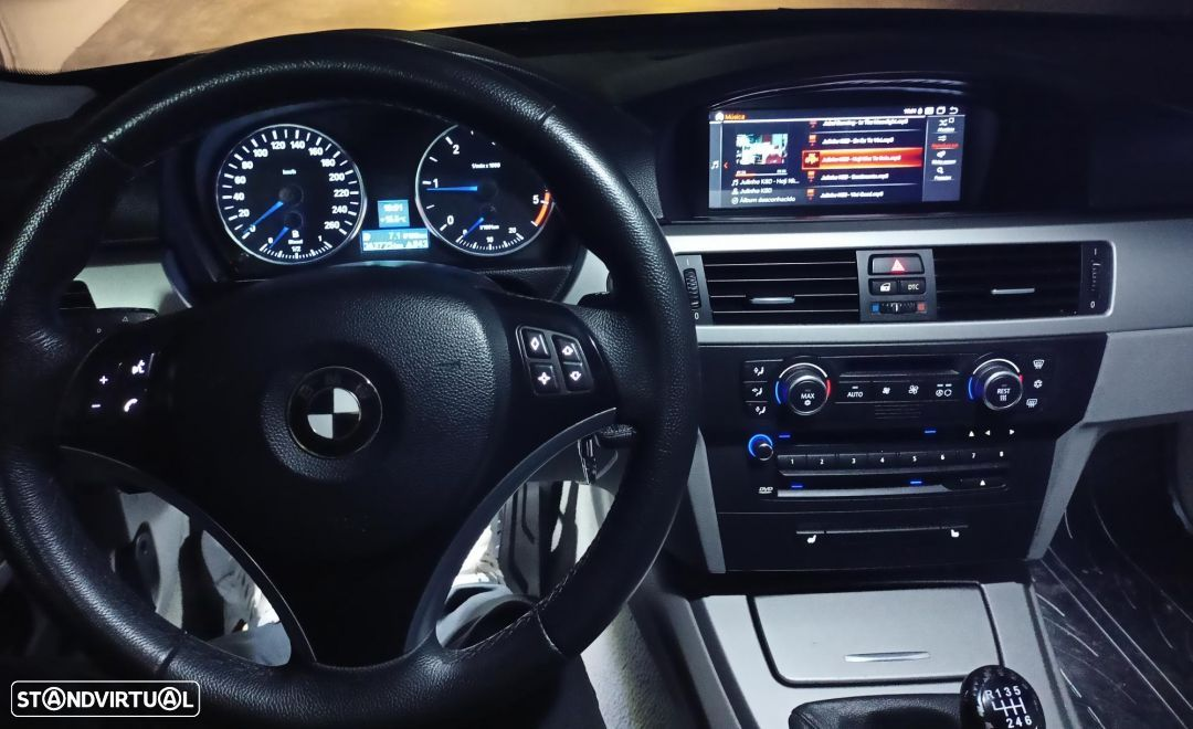 BMW 320 d Touring Exclusive - 20