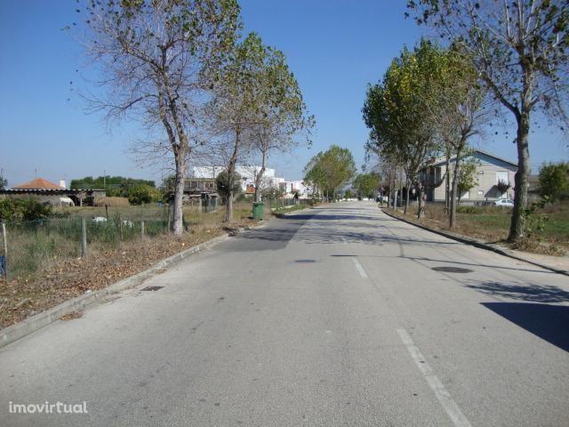 Lote de terreno no Bonsucesso para moradia