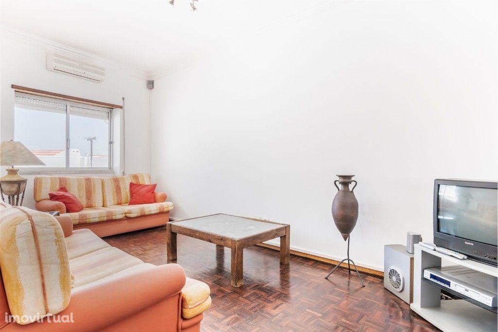 Apartamento T2 com Terraço na Baixa da Banheira