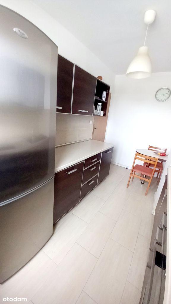 3 pokoje , osobna kuchnia , świetna lokalizacja