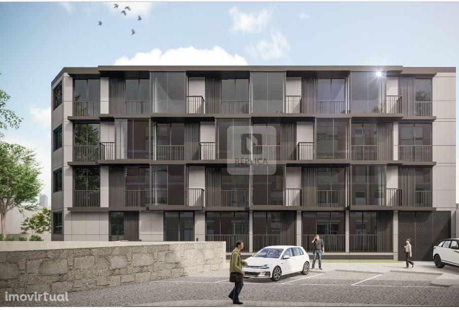Apartamento T1 c/ garagem e arrumos - Mercado Bom Sucesso