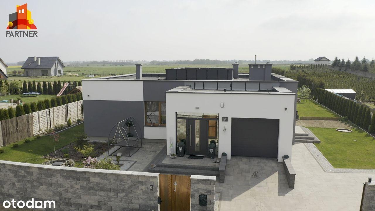 Nowoczesny, komfortowy dom parterowy, płaski dach