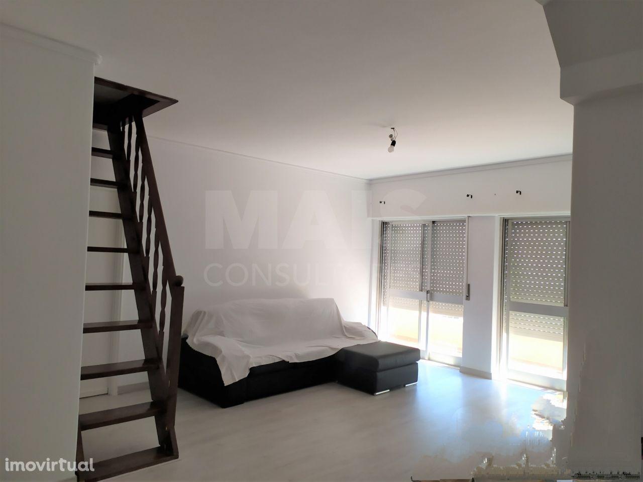 Apartamento T3 em Vialonga