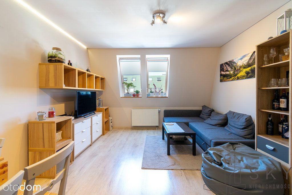 Ładne mieszkanie 2-pokojowe na kameralnym osiedlu.