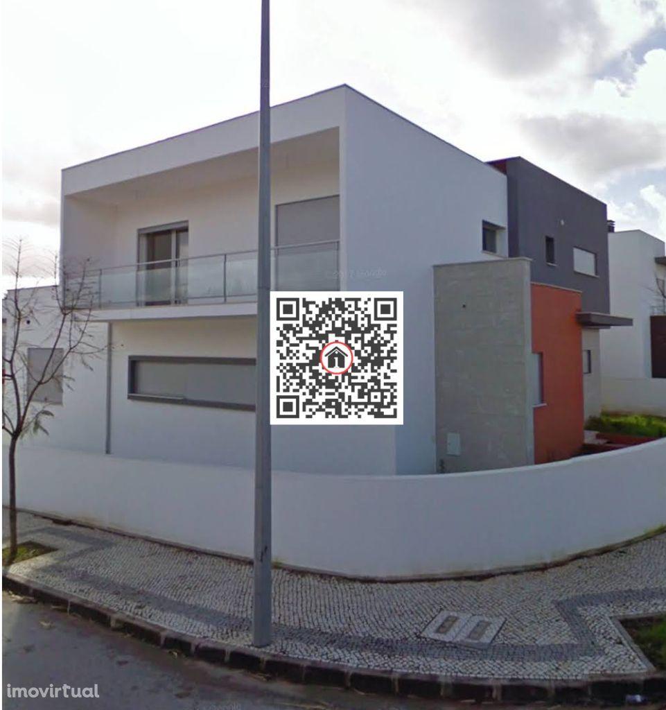 Imóvel do Banco - Moradia T4 ao pé Intermarché Condeixa