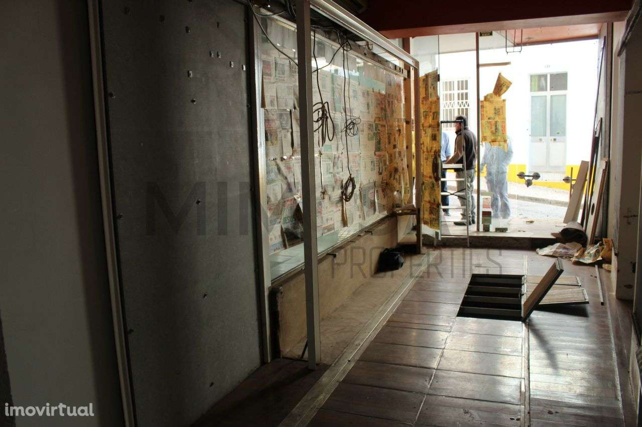 Loja para arrendar, Lagos (São Sebastião e Santa Maria), Faro - Foto 7