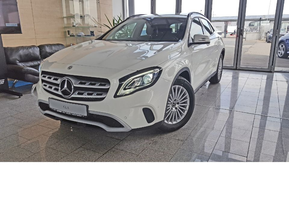 Mercedes-Benz GLA 180 - 2