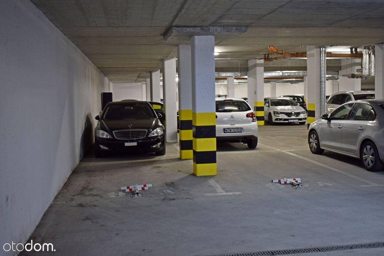 2 miejsca parkginowe, przy trasie 7 i S8 WOLA