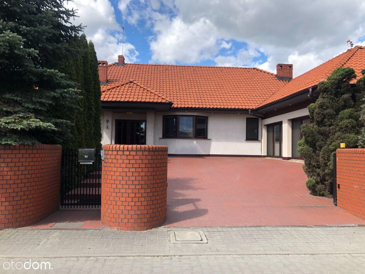 Jednopoziomowy dom na sprzedaż