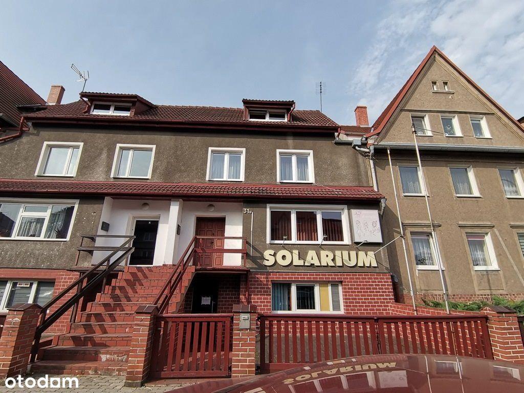 Budynek mieszkalno usługowy w centrum miasta