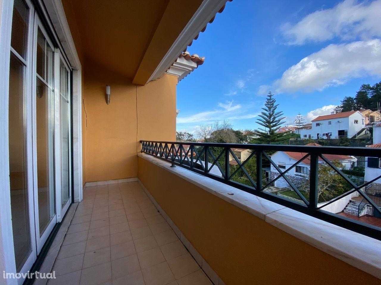 Belíssimo apartamento T2, situado na zona central da Venda do Pinheiro