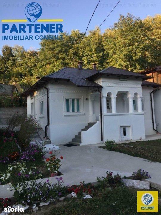 Casa tip conac, Maracineni, finisaje moderne, teren 500 mp
