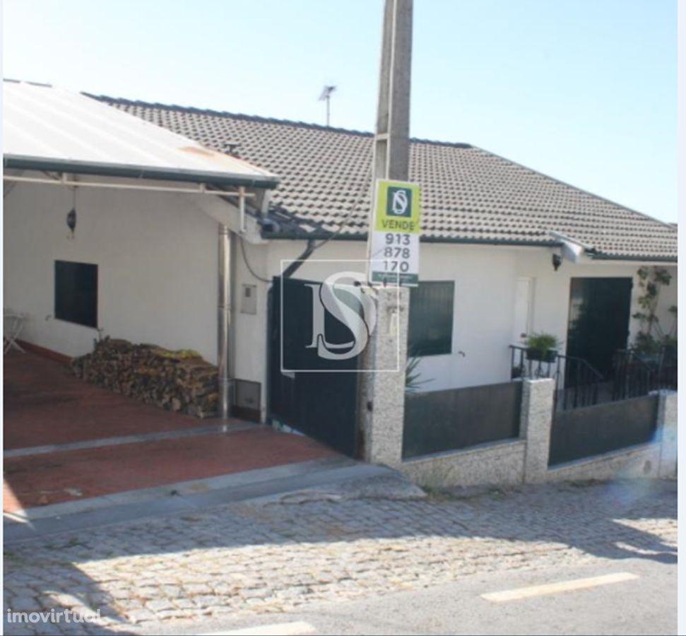 Moradia T3 - com armazém  - São Torcato - Guimarães