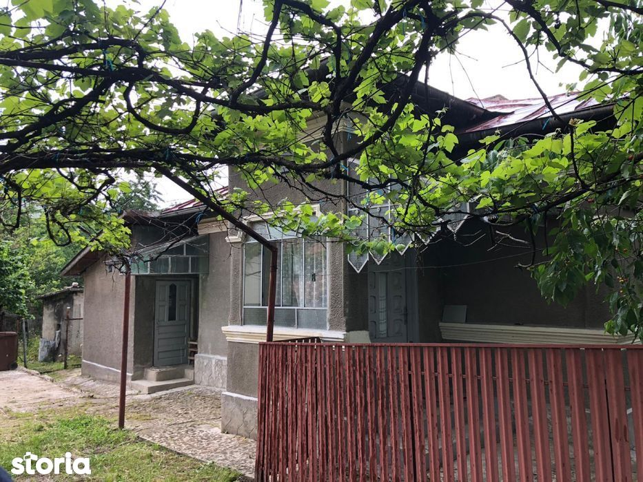 Vand casa in Stefanesti cu teren 1500 mp, comision zero% la cumparator