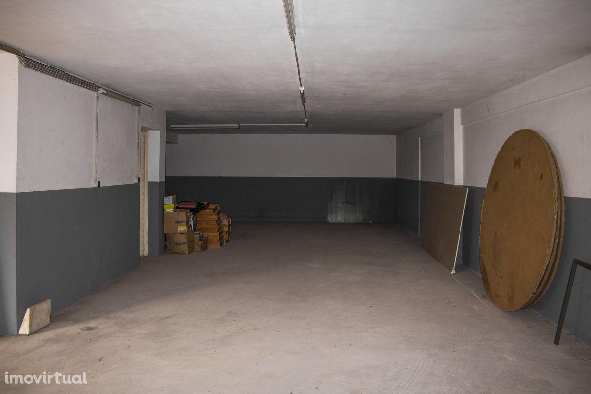 Garagem, Gondomar (São Cosme), Valbom e Jovim, Rua Gondomar Sport Clube
