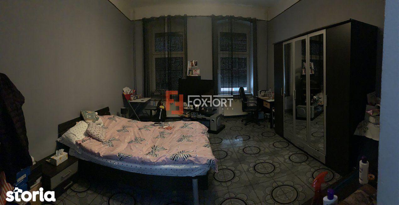 Apartament 4 camere de vanzare, zona Balcescu