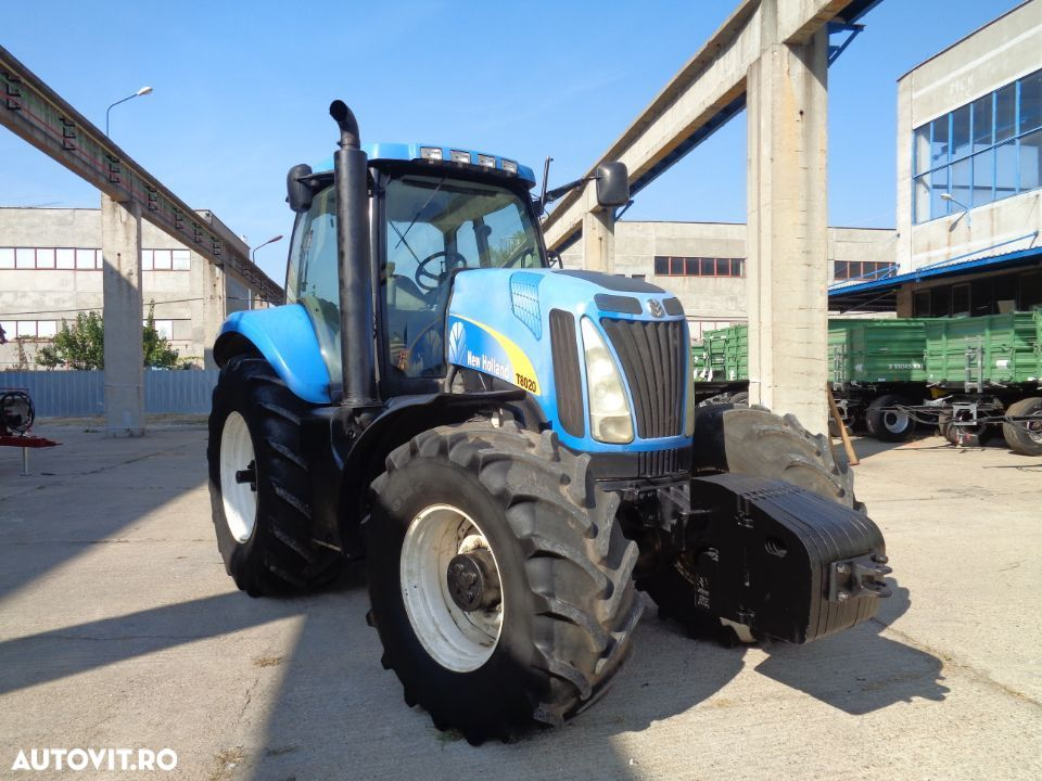 New Holland T8020 - 3