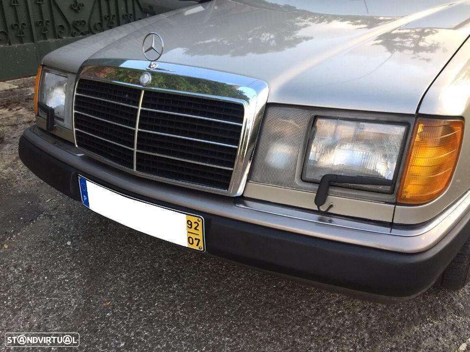Mercedes-Benz 300 D Turbo - 17