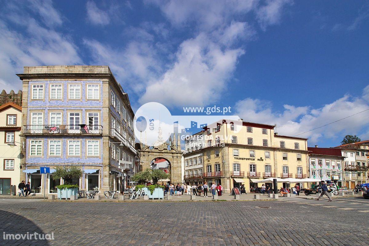 Prédio para restauro no centro histórico de Braga
