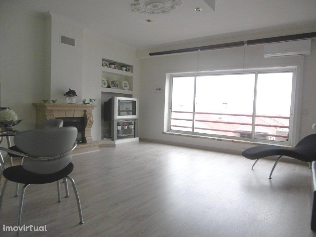 Apartamento T4 -Piso Único- Renovado -Quinta da Lomba -Barreiro