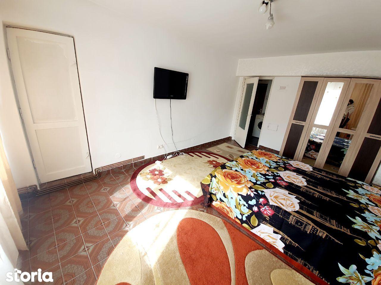 Hala Centrala UMF/Palas apartament 1 camera de inchiriat