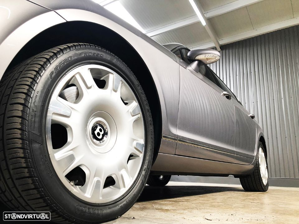 Bentley Continental Flying Spur 5 Lugares 6.0L W12 - 16