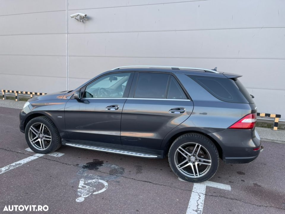 Mercedes-Benz ML 350 - 7