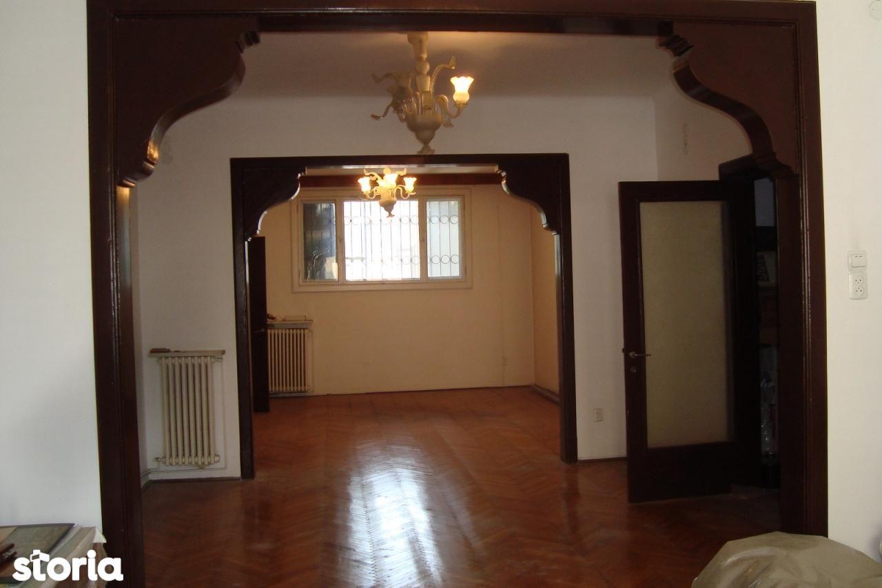Cismigiu, Intrarea Rigas, vanzare apartament deosebit, 4 cam pe hol