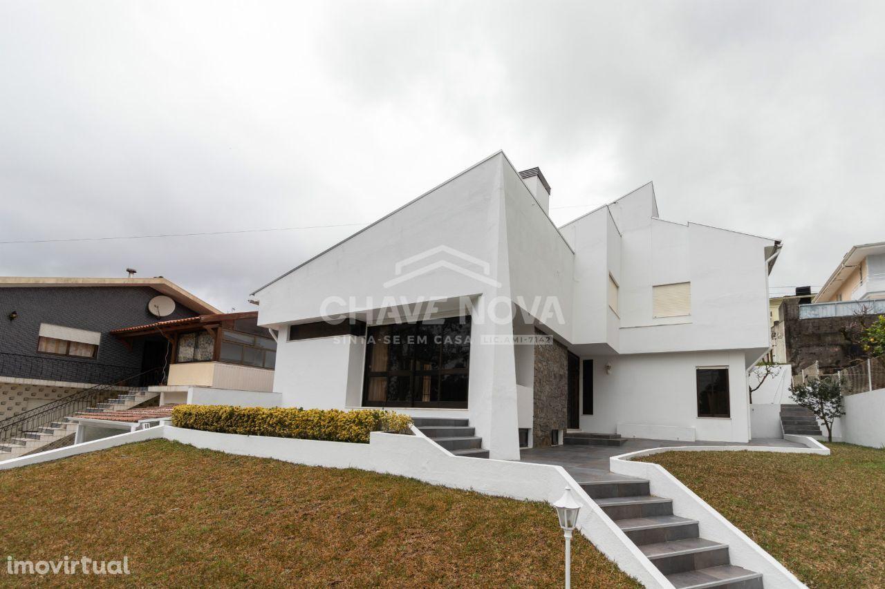 Moradia isolada de 3 quartos em São João de Ver em zona calma