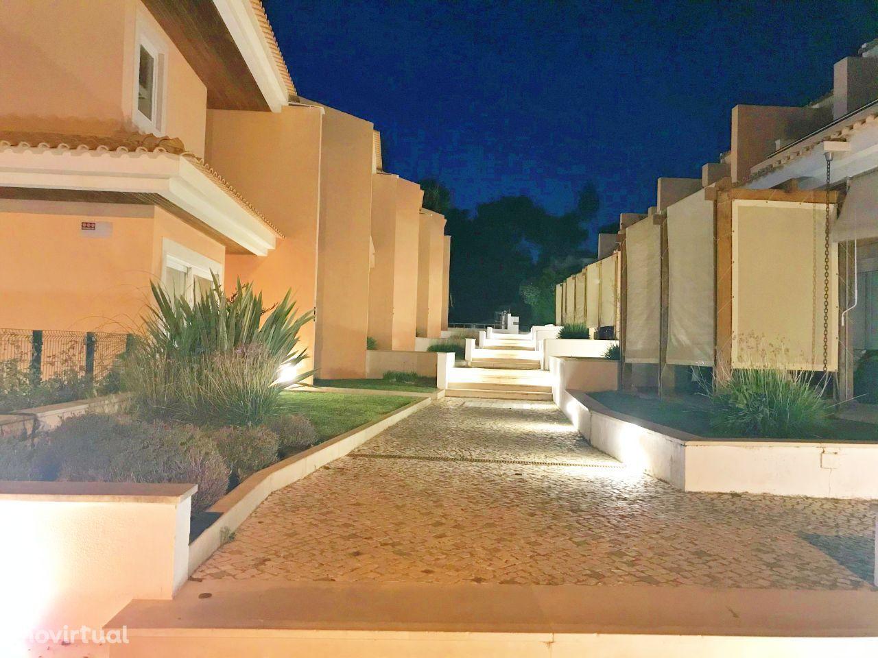 Moradia T2+1 Condomínio Privado Luxo Cascais