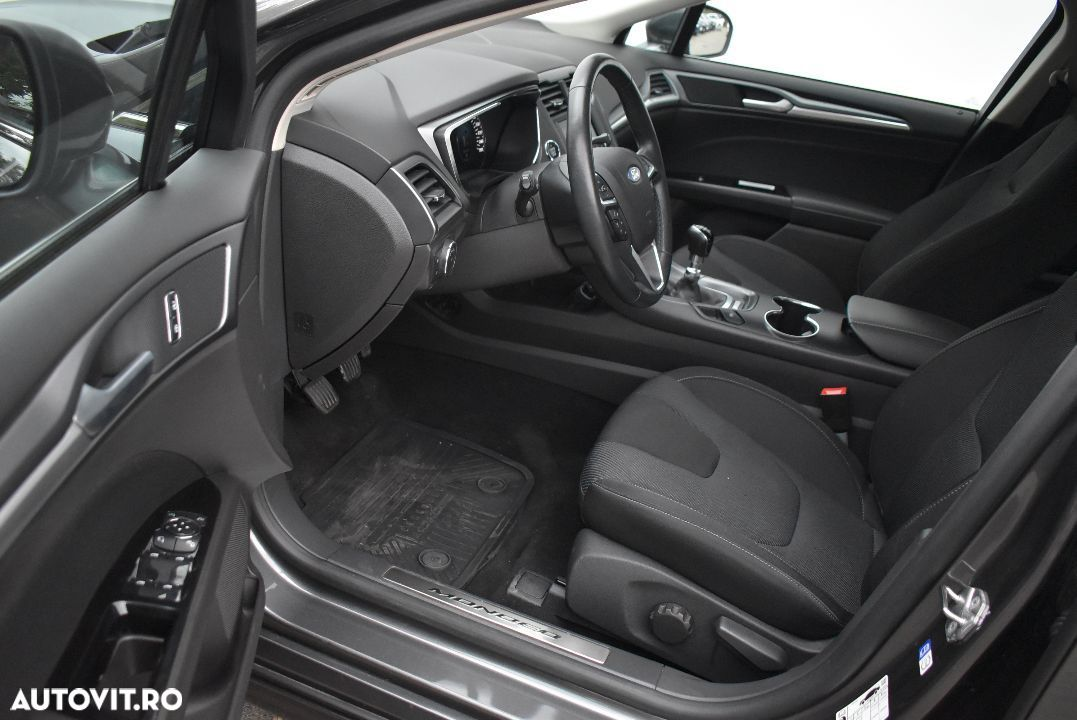 Ford Mondeo 1.5 - 12