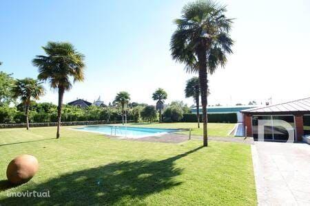 Fantástica Quinta com Piscina, Campo Ténis e Pavilhão em Braga