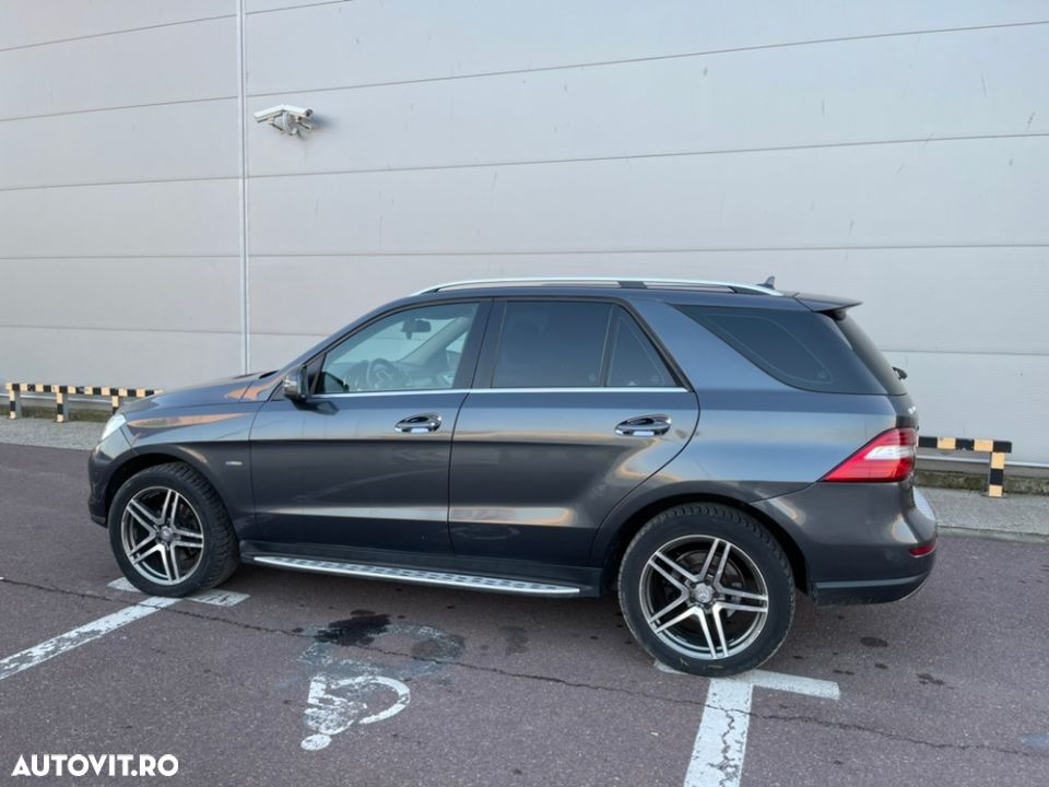 Mercedes-Benz ML 350 - 34