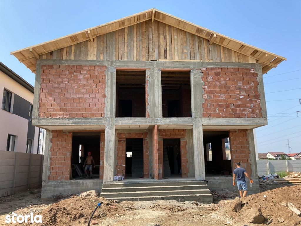 vila in duplex finalizat/107mp utili+105mp curte/Dobroesti