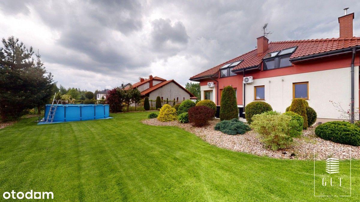 Praktyczny, przestronny dom z pięknym ogrodem!