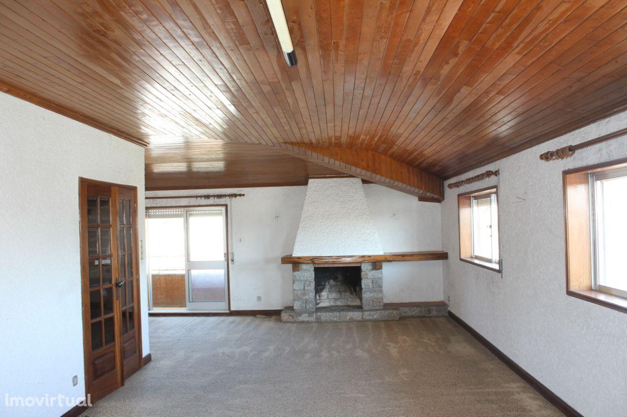 Apartamento T3, Seroa, bem localizado