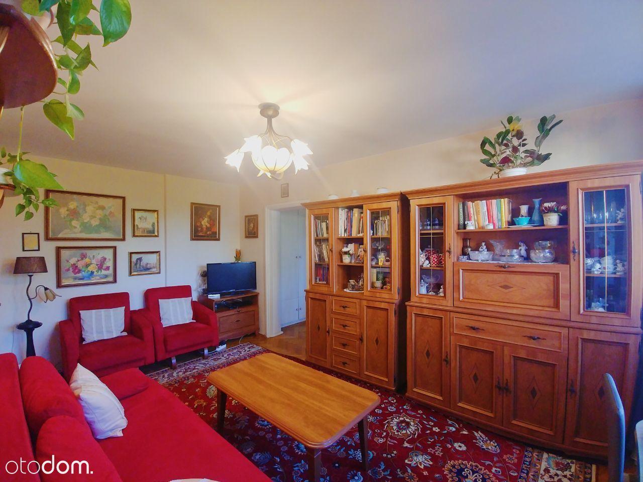 Dwupokojowe mieszkanie z loggia, Ochota