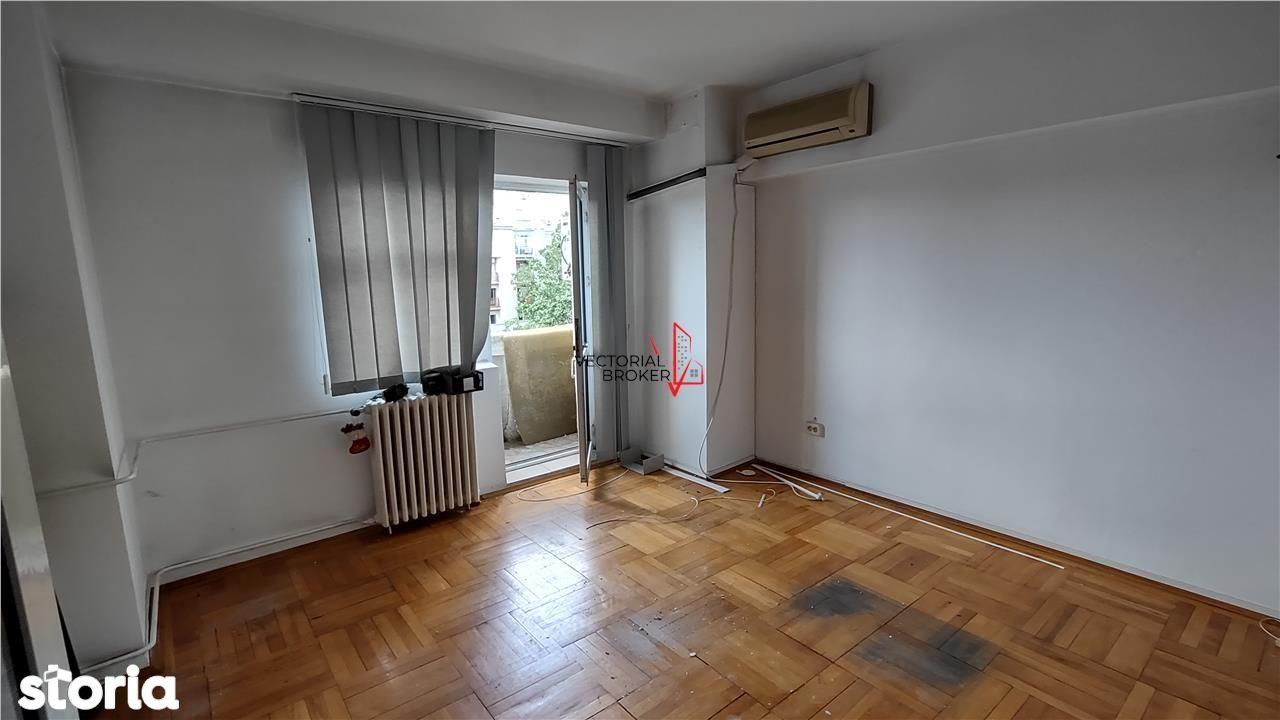 Apartament 3 camere Decebal-Piata Alba Iulia, 80mp,in curs de renovare