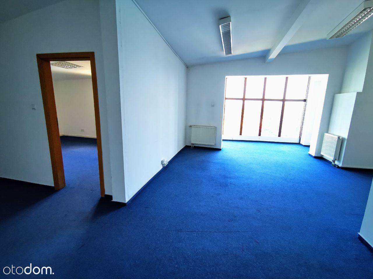 Ostatnie wolne mieszkania w biurowcu po banku.