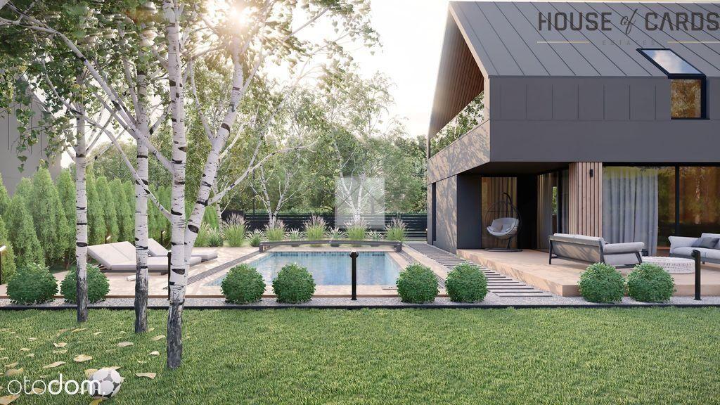 Dom z basenem wykończony pod klucz wysoki standard