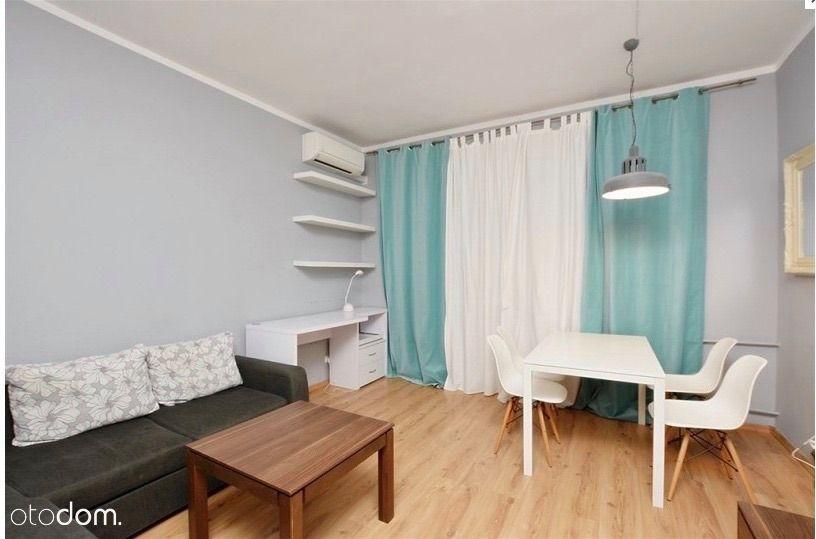Klimatyzowane, wyremontowane mieszkanie w centrum