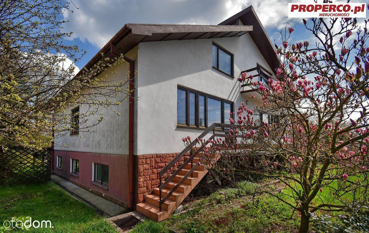 Dom wolnostojący o pow. 325,40m2, Jędrzejów