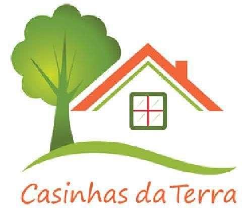 Este apartamento para comprar está a ser divulgado por uma das mais dinâmicas agência imobiliária a operar em Carvoeira, Lisboa