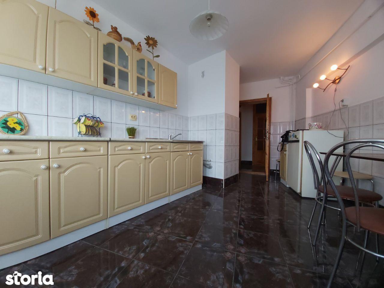 Apartament 3 camere,2 terase,145 mp, Zona Intim-Central