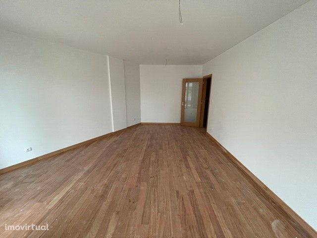 Apartamento T1+1 - Matosinhos Sul