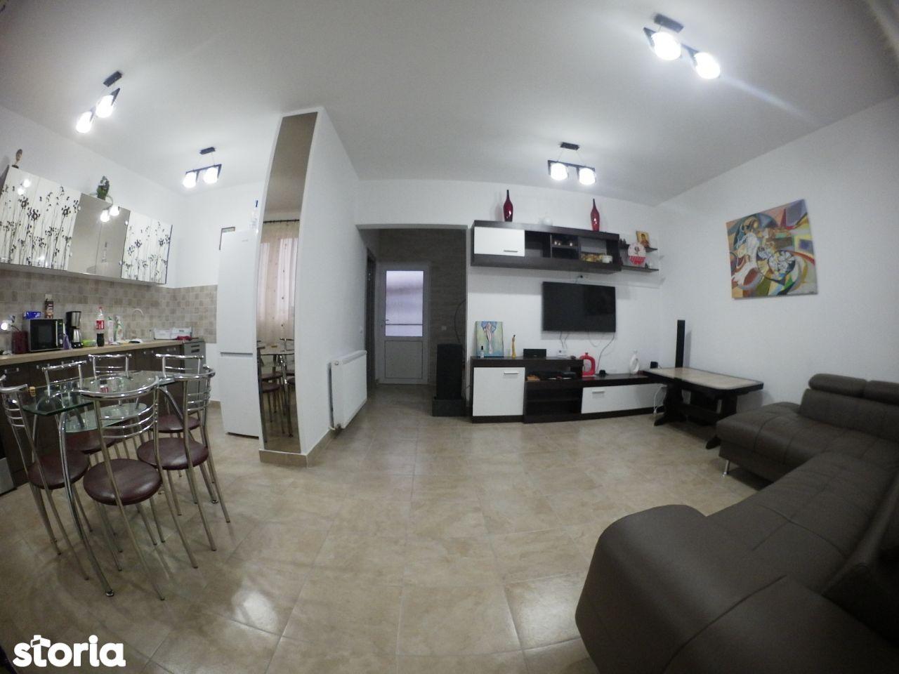 Casa cu 4 camere in Sanpetru