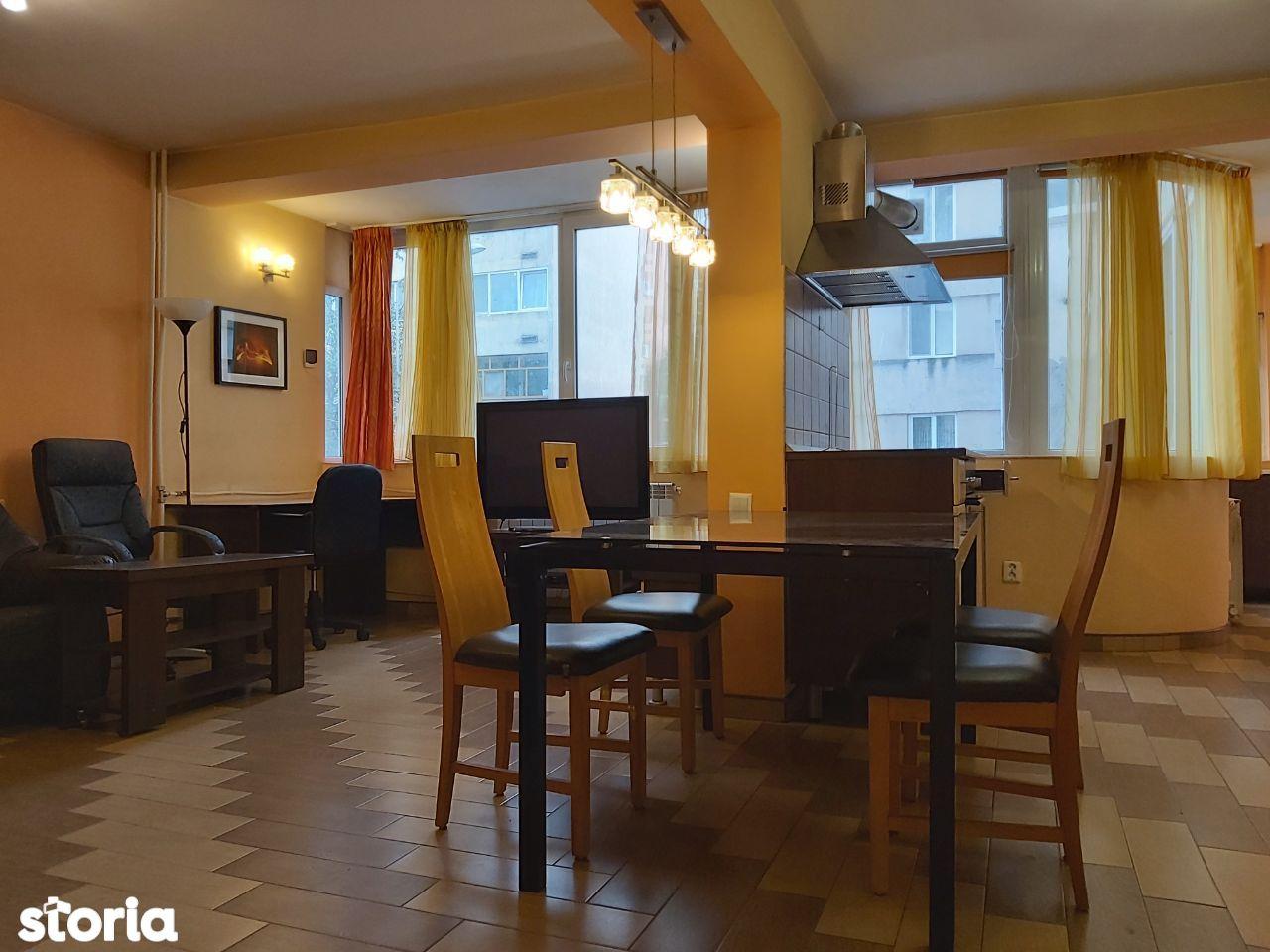 Apartament 3 camere de vanzare, Bdul Dacia, Oradea